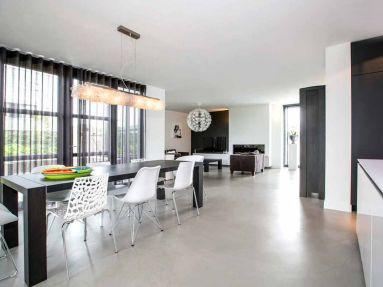 Modern woonhuis met strakke uitstraling